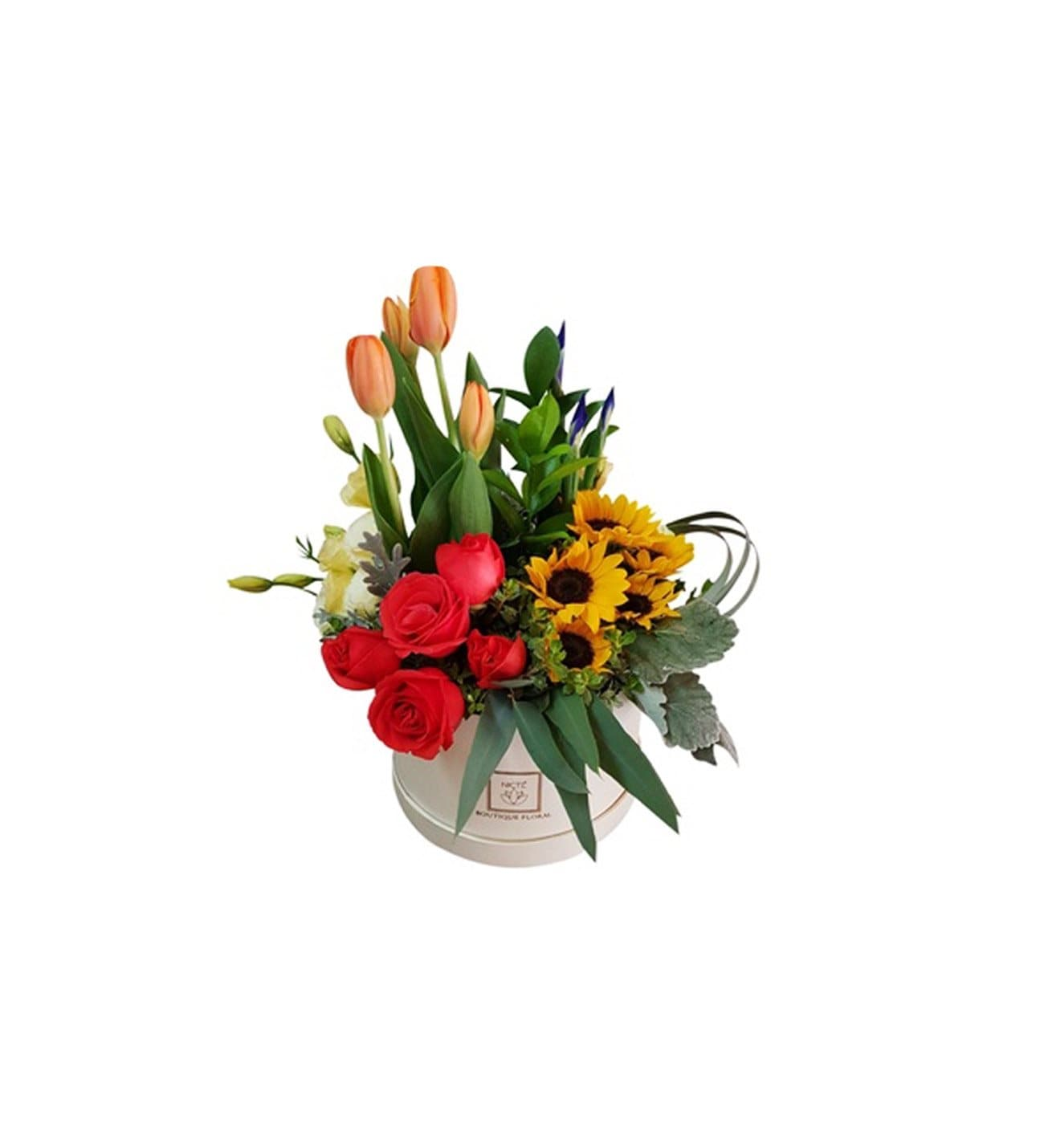 Bonita Caja Beige Con Rosas Naranjas Tulipanes Girasoles Iris Lisianthus Y Follajes Exoticos De Flores Nicté