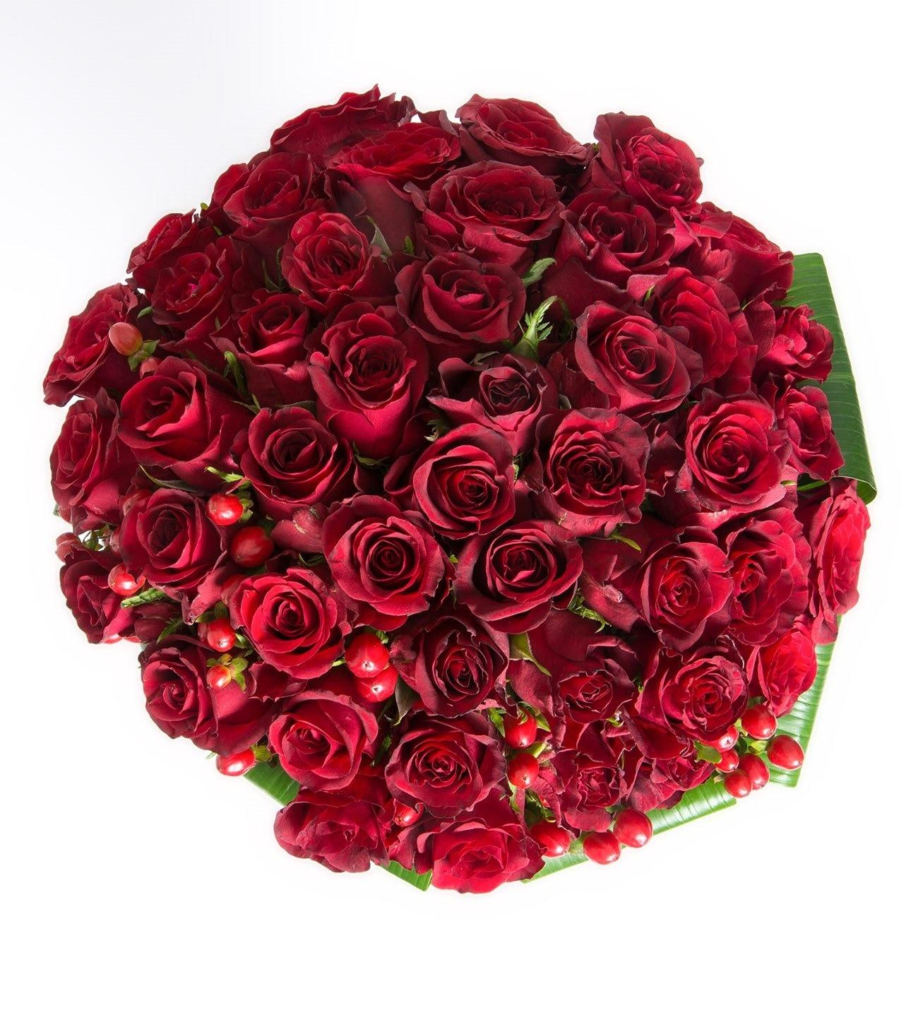 50 Rosas Rojas Más Allá De Los Sueños