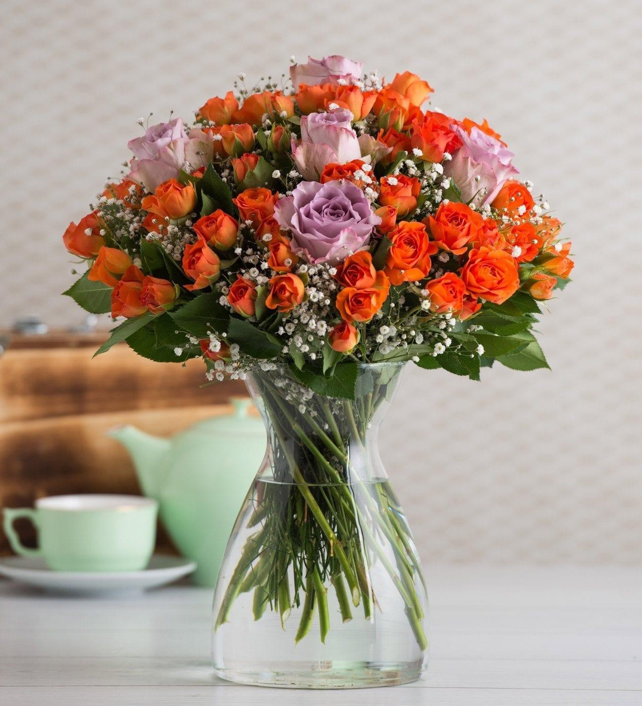 60 Rosas Ramificadas Naranjas Y 5 Rosas Lilas Destello De Verano