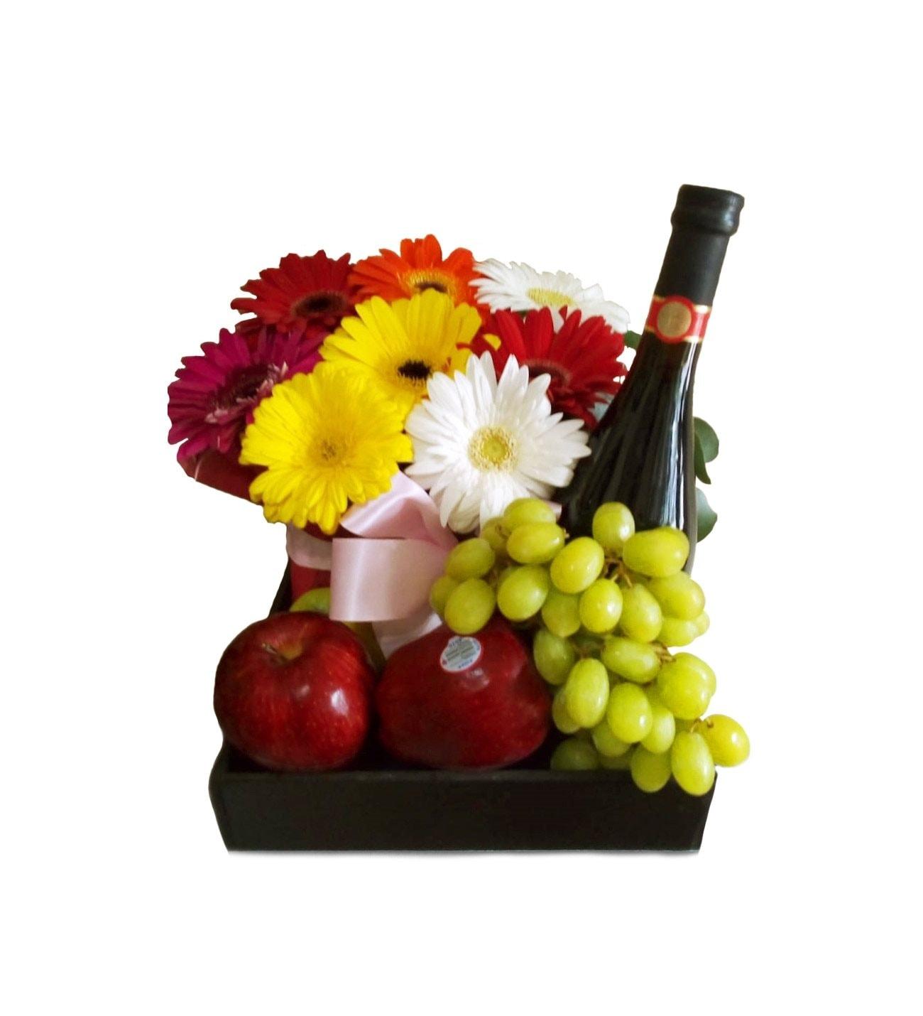 Vino Y Frutas Romanticas